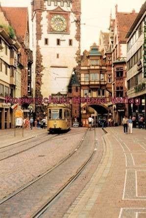 Freiburg Straßenbahn - Bertholdbrunnen - Linie 2 - Wagen Nr. 110 - Bild 2