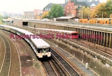 Hamburg - S- und U-Bahn - Nahe Berliner Tor - S11 und U2