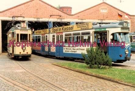 Kassel Straßenbahn - Sonderwagen Nr. 218 und Wagen der Linie 2 vor der Wagenhalle