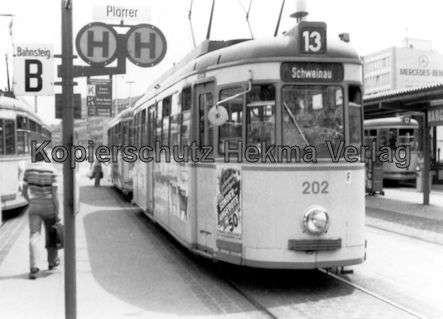 Nürnberg Straßenbahn - Haltestelle Plärrer - Linie 13 Wagen Nr. 202