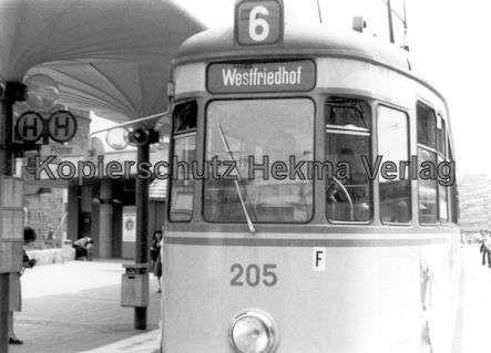 Nürnberg Straßenbahn - Haltestelle Plärrer - Linie 6 Wagen Nr. 205