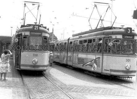 Nürnberg Straßenbahn - Haltestelle Plärrer - Linie 21 Wagen Nr. 338 und Linie 3 Wagen Nr. 301