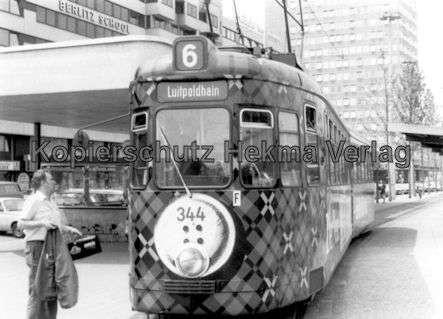 Nürnberg Straßenbahn - Haltestelle Plärrer - Linie 6 Wagen Nr. 344 - 1
