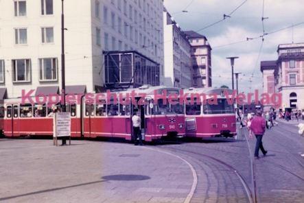 Bremen Straßenbahn - Hauptbahnhof - Linie 1 Wagen Nr. 540 und Nr. 756
