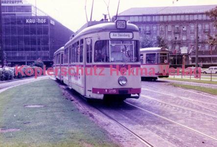 Düsseldorf Straßenbahn - Jan-Willem-Platz - Linie 706 Wagen Nr. 2115