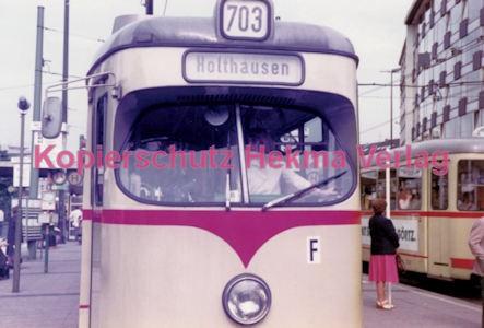 Düsseldorf Straßenbahn - Jan-Willem-Platz - Linie 703 Wagen