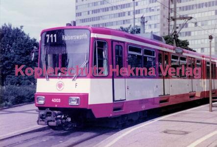 Düsseldorf Straßenbahn - Jan-Willem-Platz - Linie 711 Wagen Nr. 4003 - Bild 1