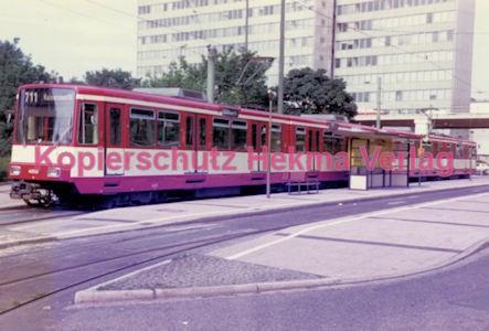 Düsseldorf Straßenbahn - Jan-Willem-Platz - Linie 711 Wagen Nr. 4003 - Bild 2