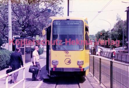 Essen Straßenbahn - Viehofer Platz - Linie 111 Wagen Nr. 1020 - Bild 1