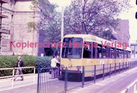 Essen Straßenbahn - Viehofer Platz - Linie 111 Wagen Nr. 1020 - Bild 2