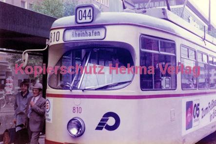 Krefeld Straßenbahn - Linie 044 Wagen Nr. 810 - Bild 1