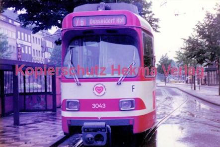 Krefeld Straßenbahn - Ostwall - Linie 76 Wagen Nr. 3043 - Bild 1