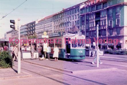 München Straßenbahn - Haltestelle Sendlinger Tor - Linie 27 Wagen Nr. 2473