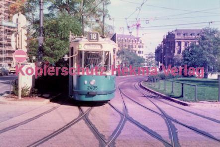 München Straßenbahn - Haltestelle Sendlinger Tor - Linie 18 Wagen Nr. 2405