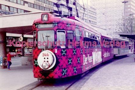 Nürnberg Straßenbahn - Haltestelle Plärrer - Linie 4 Wagen Nr. 344