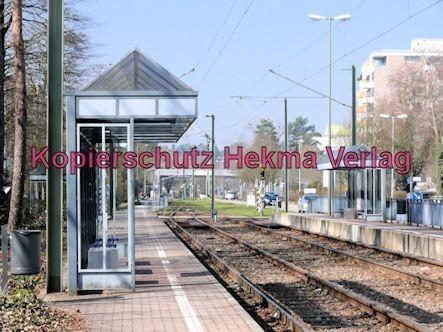 Karlsruhe Straßenbahn - Wörth - Haltestelle Wörth-Bürgerpark - Wartehäuschen
