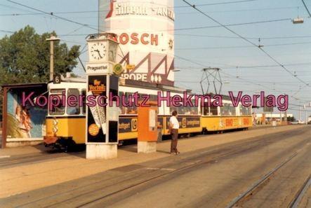 Stuttgart Straßenbahn - Haltestelle Pragsattel - Linie 6 Wagen Nr. 492 - Bild 2