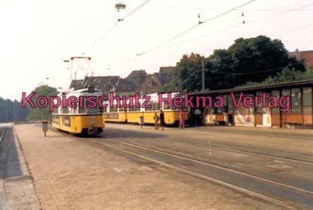 Stuttgart Straßenbahn - Haltestelle - Wagen Nr. 401