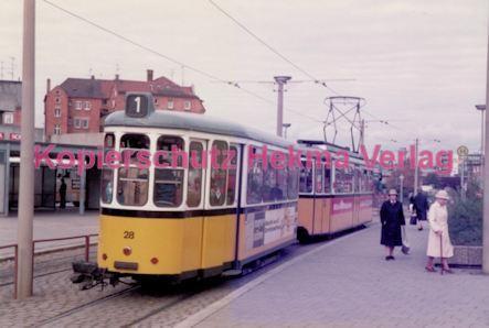 Ulm Straßenbahn - Haltestelle Söftlingen - Linie 1 Wagen Nr. 28