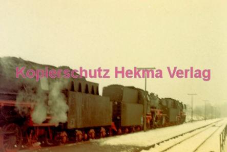 Godramstein/Pfalz Eisenbahn - Bahnhof - Lok 23 055, Lok 044 374-7 und Lok 23 068 - Bild 4