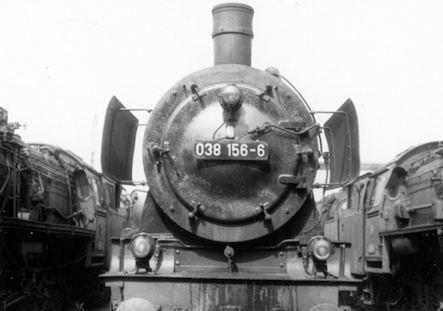 Tübingen Eisenbahn - Bahnbetriebswerk - Lok 038 156-6