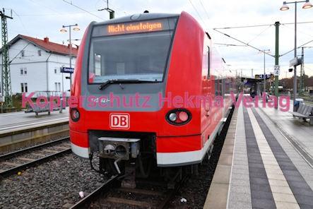 Germersheim Eisenbahn - Bahnhof - Zug 425 121-1