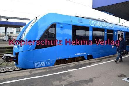 Ludwigshafen Eisenbahn - Hbf. Ludwigshafen - Gleis 5 Werbefahrt Wasserstoffzug Alstom - Coradia iLint - Zug 654 602