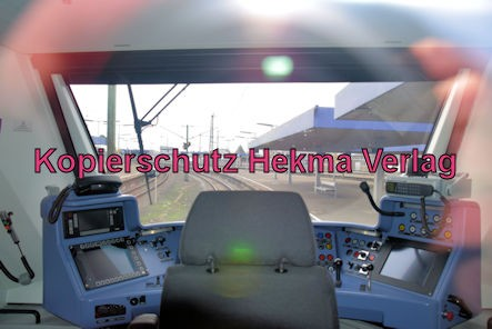 Ludwigshafen Eisenbahn - Hbf. Ludwigshafen - Gleis 5 Werbefahrt Wasserstoffzug Alstom - Coradia iLint - Zug 654 602 - Fahrerstand
