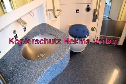 Ludwigshafen Eisenbahn - Hbf. Ludwigshafen - Gleis 5 Werbefahrt Wasserstoffzug Alstom - Coradia iLint - Zug 654 602 - Innenansicht