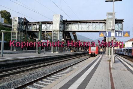 Neustadt Wstr. Eisenbahn - Hauptbahnhof Neustadt - Fußgängerbrücke
