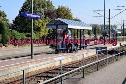 Karlsruhe Straßenbahn - Haltestelle Wörth Bienwaldhalle - Haltestelle