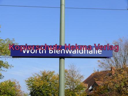 Karlsruhe Straßenbahn - Straßenbahn Wörth - Haltestelle Bienwaldhalle - Schild