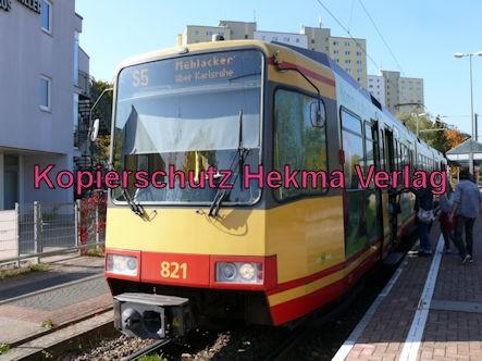 Karlsruhe Straßenbahn - Straßenbahn Wörth - Haltestelle Bienwaldhalle - S5 Zug 821