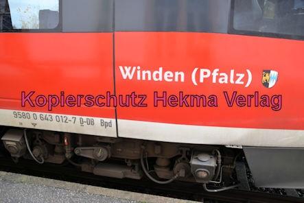 Knöringen-Essingen Eisenbahn - Bahnhof - Zug Winden 643 012