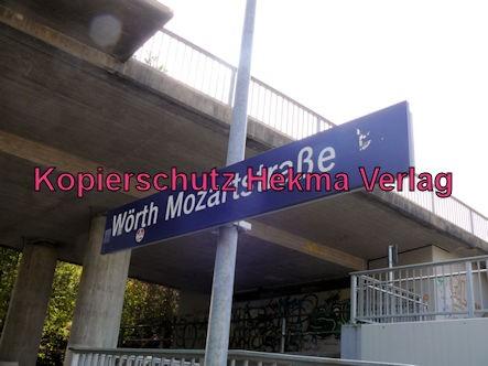 Karlsruhe Straßenbahn - Straßenbahn Wörth - Haltestelle Mozartstraße - Bahnhofsschild