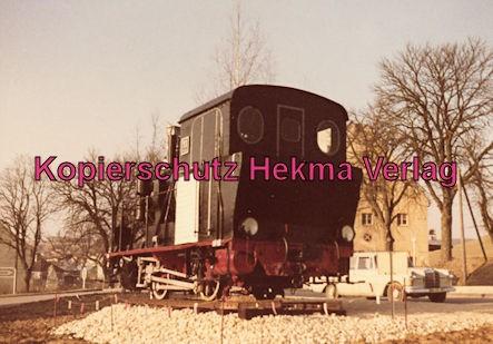 Härtsfeldbahn - Württembergische Nebenbahn A.G. - Bahnhof Neresheim - Lok 11 als Ausstellungsstück vor dem Bahnhof
