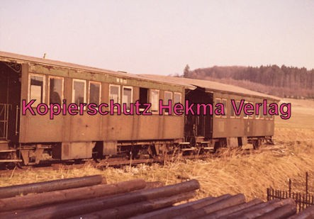 Härtsfeldbahn - Württembergische Nebenbahn A.G. - Bahnhof Neresheim - Personenwagen aus der Zeit des Dampfbetriebes