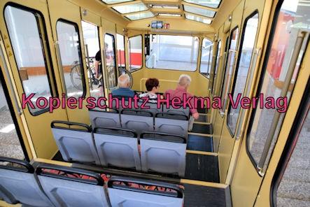 Turmbergbahn Karlsruhe - Talstation - Innenansicht eines des Wagens 2