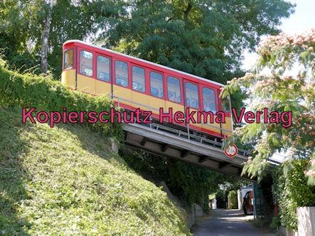 Turmbergbahn Karlsruhe - Wagen 1 auf einer Brücke
