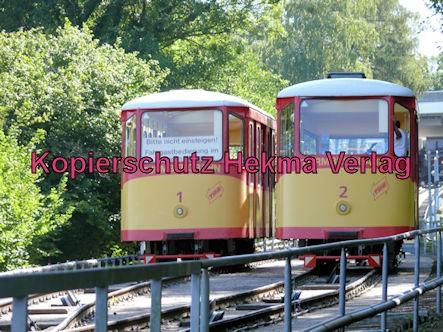 Turmbergbahn Karlsruhe - Wagen 1 und 2 kreuzen sich auf der Strecke