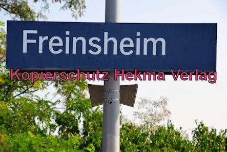 Freinsheim Eisenbahn - Freinsheim Bahnhof - Bahnhofsschild