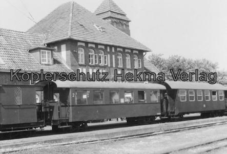 Wangerooge Inselbahn - Zug am Bahnhof