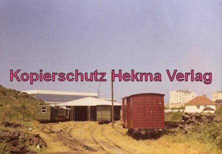Borkum Inselbahn - Güterwagen und Wagenhalle