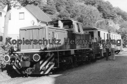 Brohtal Kleinbahn - Station Burg Brohl - Diesellok mit Vulkan Expreß