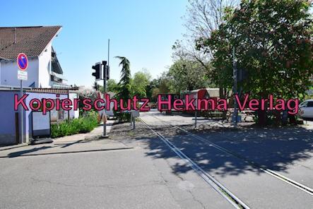 Südpfalz Draisinenbahn - Bornheim-Westheim - Bahnhof Westheim (Ende) - Bahnübergang