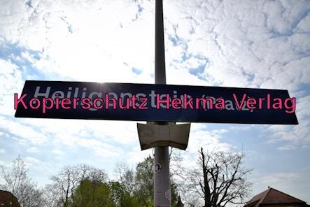 Heiligensten Eisenbahn - Bahnhaltepunkt Heiligenstein - Bahnhofsschild